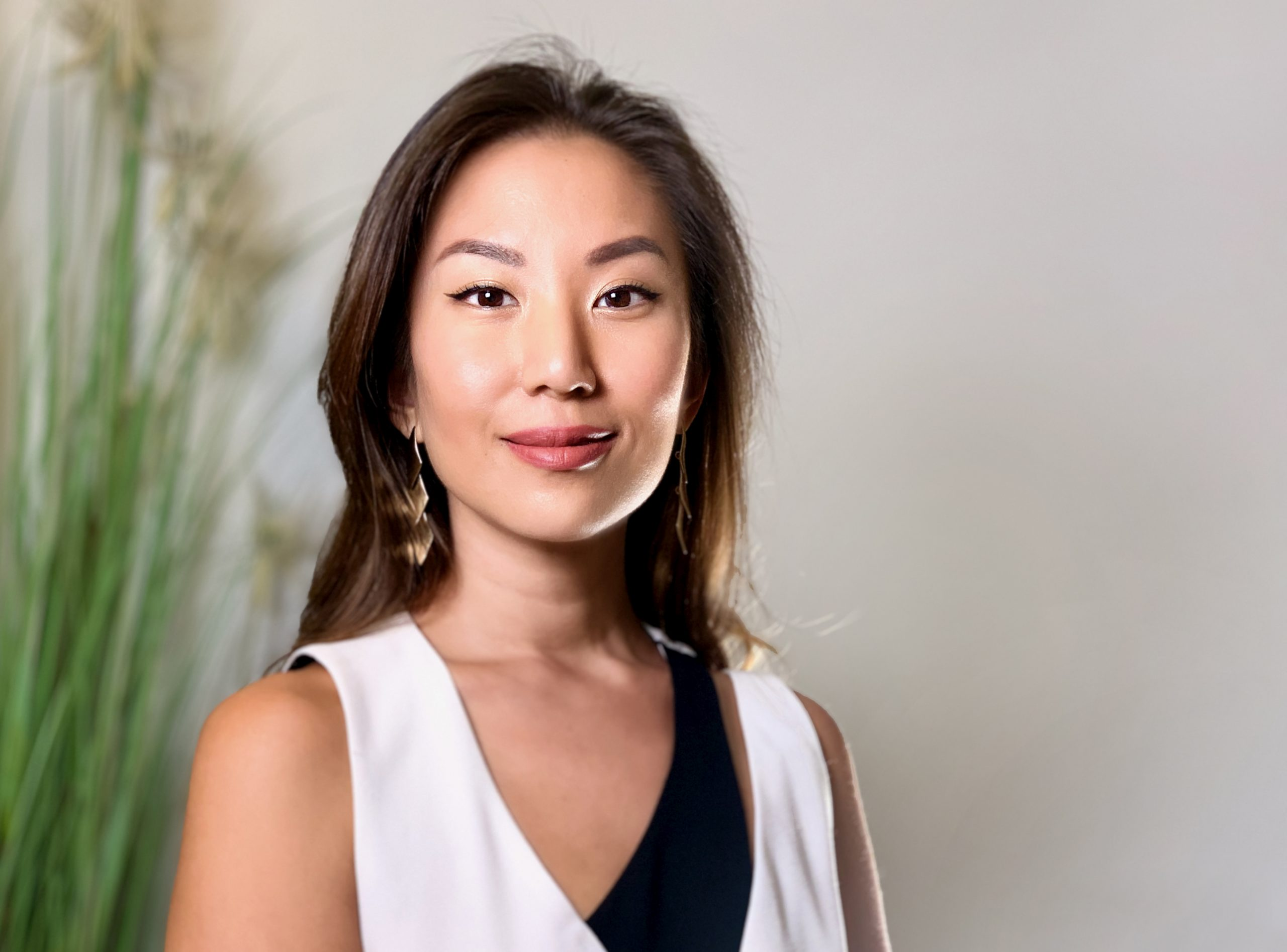 Asia Tech Podcast – Episode 73 – Krystal Choo – Thrive Hour & Neo Sapio – Growth Always Involves Some Level of Struggle and Pain