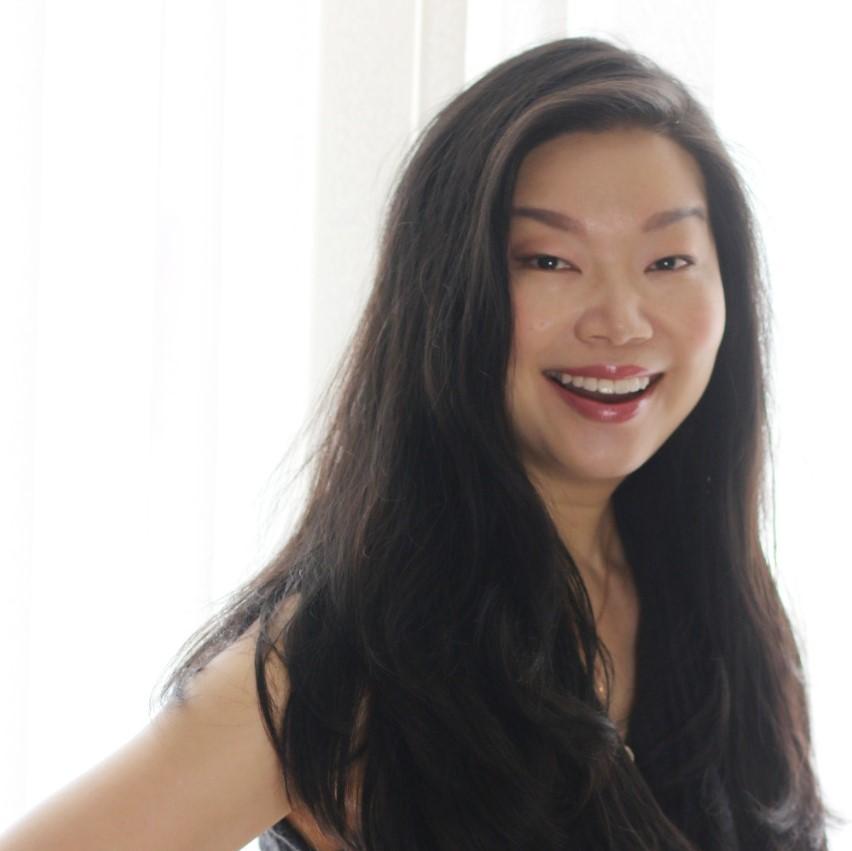 Asia Tech Podcast – Episode 82 – Vivian Ke Story – Entrepreneur, Founder of Soul Story Seoul – Finding Your Tribe